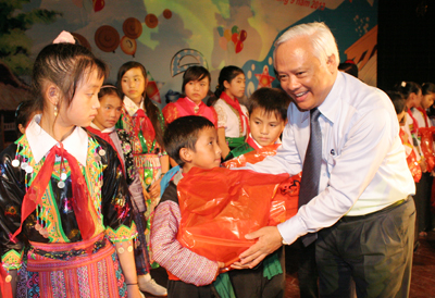 http://www.baohoabinh.com.vn/Includes/NewsDetail/9_2013/dt_169201388_IMG_1059.JPG