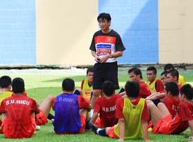 Cơ hội đi tiếp của thầy trò HLV Phan Thanh Hùng hoàn toàn phụ thuộc vào kết quả bốc thăm.