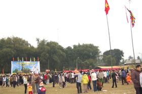 Lễ hội Khai Hạ Mường Bi (huyện Tân Lạc) hấp dẫn khách thập phương.