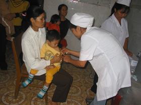 Mức độ miễn dịch quần thể chưa đủ lớn là yêu cầu cần thiết triển khai chiến dịch vắc xin sởi trên địa bàn.