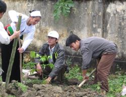 Hội viên CCB huyện Tân Lạc chung sức hành động bảo vệ môi trường