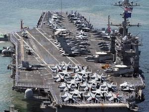Tàu sân bay USS George Washington tới Busan.