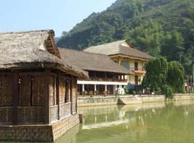 Hòa Bình: Phát triển du lịch, dịch vụ chất lương cao