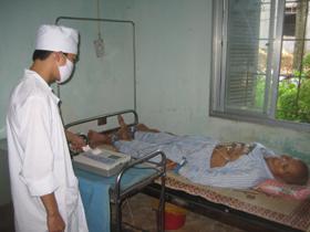 Bệnh viện Đa khoa huyện Kim Bôi nỗ lực chăm sóc, bảo vệ sức khỏe nhân dân.