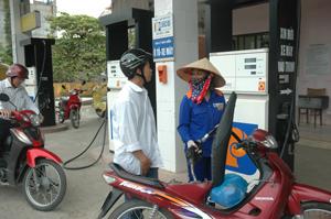 Cửa hàng xăng dầu phường Đồng Tiến (TPHB) thuộc Chi nhánh Xăng dầu Hòa Bình luôn đảm bảo an toàn trong kinh doanh.
