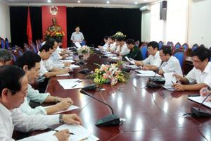Đồng chí Bùi Văn Cửu, Phó Chủ tịch Thường trực UBND tỉnh, Trưởng BTC các sự kiện và lễ hội tỉnh năm 2011 kết luận hội nghị.