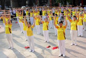 CLB dưỡng sinh của Hội NCT thành phố Hòa Bình hoạt động hiệu quả, tạo sân chơi bổ ích, giúp NCT sống vui, sống khỏe, sống có ích.