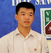 Em Lê Minh Thành, học sinh lớp 11 chuyên tin, trường THPT chuyên Hoàng Văn Thụ.
