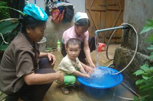 Nhờ quản lý vận hành tốt, công trình cấp nước tập trung tại xã Yên Nghiệp (Lạc Sơn) phát huy hiệu quả trong sinh hoạt và đời sống nhân dân trên địa bàn.