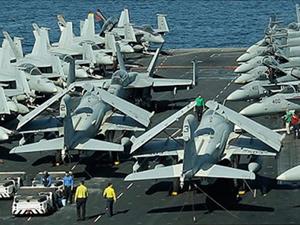 Mỹ đã điều động một lực lượng quân sự khổng lồ đến vùng Vịnh. Ảnh: AP