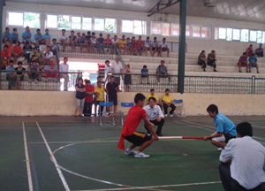 Trận đấu hạng cân 63 kg nam giữa VĐV của Hòa Bình và Yên Bái.
