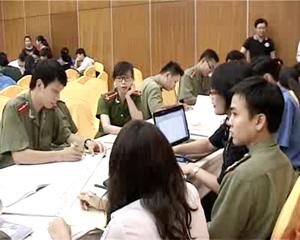ĐV-TN tỉnh ta chia nhóm thảo luận tại diễn đàn sự tham gia của VTN/TN và tiếp cận dịch vụ CSKSS VTN/TN được tổ chức tại TP Hòa Bình trong tháng 8 vừa qua.