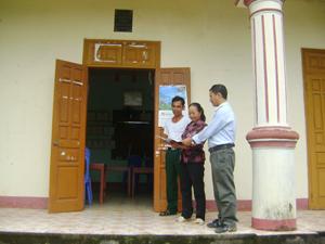 Nhà văn hoá xóm Tân Thành, xã Yên Trị (Yên Thủy) được xây dựng khang trang từ sự hỗ trợ của Nhà nước và sự đóng góp của cá nhân, tổ chức trên địa bàn xóm.