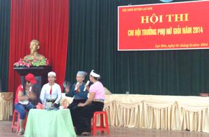 Phần thi xử lý tình huống xuất sắc của chị Bùi Thị Châu (xã Tân Lập).