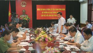 Bộ trưởng Bộ GT – VT Đinh La Thăng phát biểu tại buổi làm việc với lãnh đạo tỉnh.