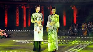 """Đêm hội """"Áo dài của chúng ta"""" là sự kiện văn hóa thiết thực chào mừng Ngày Phụ nữ Việt Nam 20-10."""