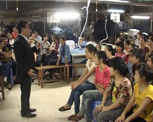 Diễn giả Vỹ Việt Anh – Tổng giám đốc Học viện Thành Công phổ biến kiến thức về nuôi con khoa học, phương pháp, cách thức , kỹ năng để nuôi dạy con tốt.