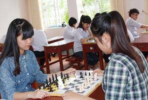 Tại HKPĐ tỉnh năm 2014, trường THPT chuyên Hoàng Văn Thụ đoạt ¾ giải nhất cá nhân THPT cùng giải nhất toàn đoàn.
