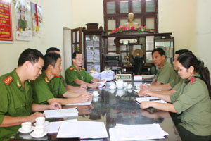 Công an huyện Yên Thủy họp bàn triển khai nhiệm vụ đảm bảo  an ninh vùng giáp ranh.