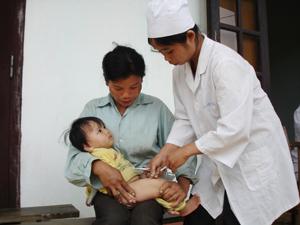 Trong khuôn khổ thực hiện chương trình, tại các xã ĐBKK sẽ tăng cường tiếp cận các dịch vụ có chất lượng về chăm sóc sơ sinh và làm mẹ an toàn.