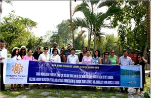 Công ty CP Du lịch An Thịnh đón đoàn doanh nghiệp, báo chí nước ngoài tham quan khách sạn Hòa Bình 1.