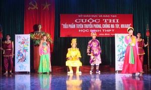 Tiểu phẩm tuyên truyền phòng chống HIV/AIDS tại cuộc thi.