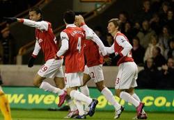Arsenal lấy lại hình ảnh sau thất bại trước Newcastle ở vòng 11