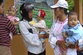Chị em phụ nữ huyện Tân Lạc nâng cao chất lượng CSSKSS tại cơ sở
