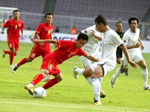 Pha bỏ lỡ cơ hội đối mặt với thủ môn Philippines của Văn Quyết.