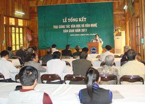 Quang cảnh lễ tổng kết trại sáng tác văn học và văn nghệ dân gian năm 2011