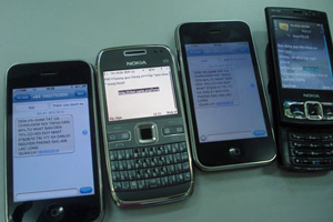 Người sử dụng di động thường xuyên bị quấy rầy bởi tin nhắn rác.