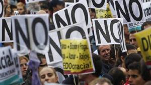 Biểu tình chống chính sách khắc khổ ở Tây Ban Nha - Ảnh: Sipa