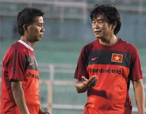 Việt Nam đối diện nhiều khó khăn trước thềm AFF Cup.