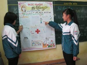 Số báo đặc biệt truyền thông y tế trường học của tập thể lớp 9A2 – Trường THCS Đồng Tiến (TPHB).