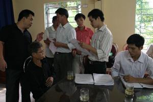 Cán bộ Sở VH-TT&DL tổ chức kiểm kê mo Mường trên địa bàn huyện Lương Sơn.
