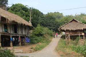 Bản Mường Giang Mỗ, xã Bình Thanh (Cao Phong) là một trong những điểm trong nội dung hội thi thuyết minh viên du lịch.