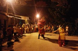 KCD 4 tổ  5,6,7,8 tổ chức múa sư tử chào mừng Ngày hội Đại đoàn kết toàn dân.