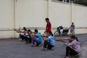 Một buổi luyện tập cùng đội tuyển bắn nỏ tỉnh tại Ngày hội văn hoá, thể thao và du lịch các dân tộc vùng Tây Bắc.