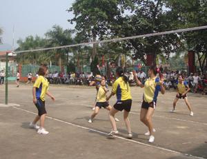 Năm 2013, huyện Yên Thủy đăng cai tổ chức thành công giải vô địch bóng chuyền với sự tham gia của các huyện, thành phố trong tỉnh.
