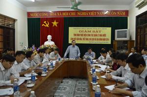 Đồng chí Hoàng Quang Minh, UVTT HĐND tỉnh phát biểu ý kiến tại buổi giám sát.