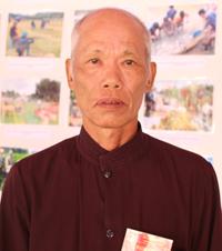 Già làng Bùi Văn Chung.