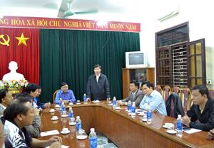 Đồng chí Bùi Văn Cửu, Phó Chủ tịch TT UBND tỉnh phát biểu tại buổi họp báo.