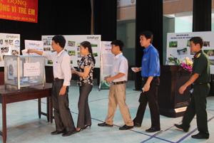 Các tổ chức, cá nhân ủng hộ cho quỹ Bảo trợ trẻ em  huyện Kim Bôi năm 2014.