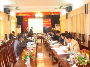 Các đại biểu trao đổi, thảo luận tại hội thảo.
