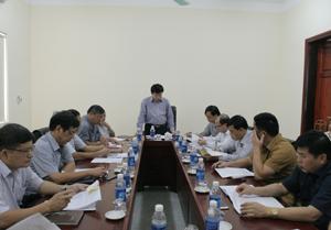Đồng chí Nguyễn Văn Chương, TUV, Phó Chủ tịch UBND tỉnh phát biểu tại cuộc họp.