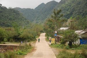 Một góc xóm, bản Hang Kia.