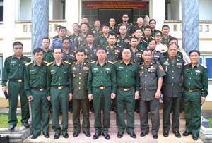 Trong chuyến đi tìm hiểu thực tế tại Hoà Bình, các học viên lớp đào tạo ngắn hạn cán bộ cao cấp chiến dịch - chiến lược Quân đội Hoàng gia Campuchia khoá 14 - Học viện Quốc phòng tại Hoà Bình đã được chia sẻ nhiều kinh nghiệm trong tổ chức thực hiện nhiệm vụ QP -QSĐP.