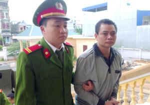 Với hành vi mua bán trái phép ma tuý, Trần Văn Hoành phải nhận mức án 20 năm tù.