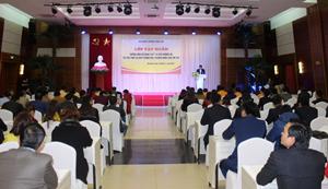Gần 200 đại biểu tham dự lớp tập huấn.