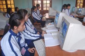 Trường THPT Công Nghiệp tăng cường đầu tư cơ sở vật chất phục vụ nhu cầu học tập của học sinh.